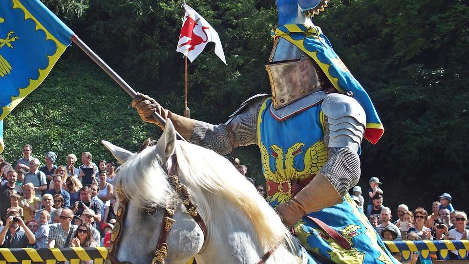 knight-1506882_960_720